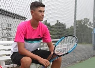Cade Tennis Stringing